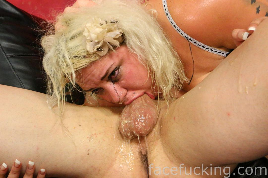 Hot bitch takes facial